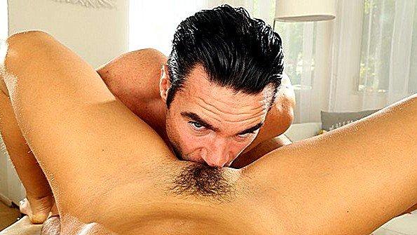 Жестко ебёт с плоской грудью секс от первого лица (Abella Danger, Charles Dera)