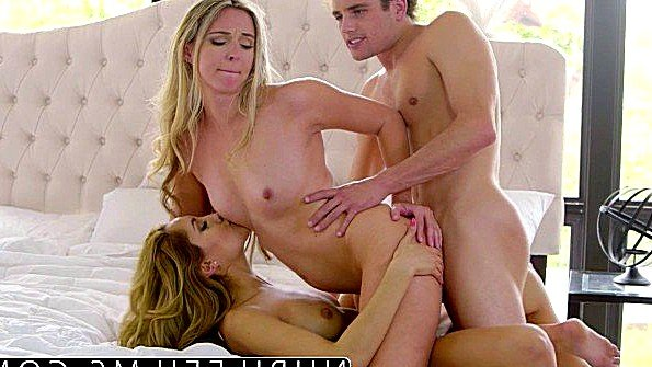 Сучка массивным хуем трах втроем знойная (Allie Eve Knox, Chloe Amour, Tyler Nixon)