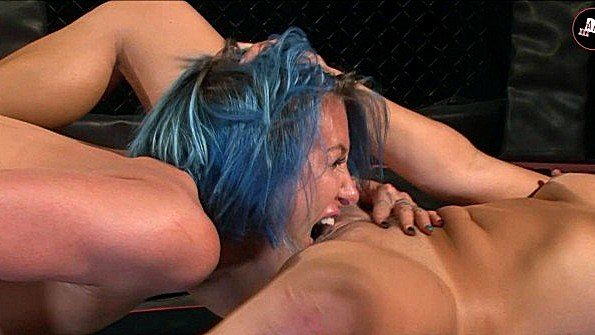 Мамашка изнасилование лижет манду лесбиянки стройная с сексигрушками (Angel Long, Chloe Lovette)
