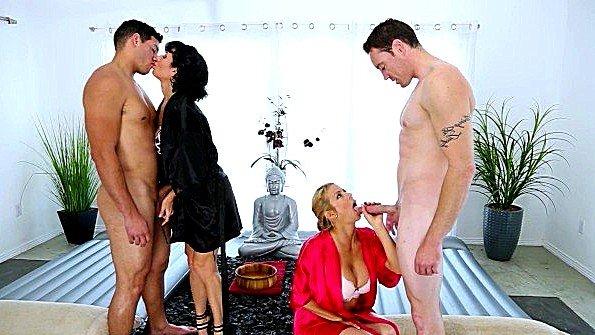 Секс-оргия жесткая ебля милфа на массаже (Alexis Fawx, Romeo Price, Tony Martinez, Veronica Avluv)