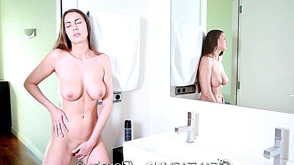 С крупными дойками телушку жестко дерут сексуальная (Connie Carter)